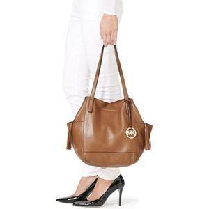 Micheal Kors Ashbury large brown leather bag